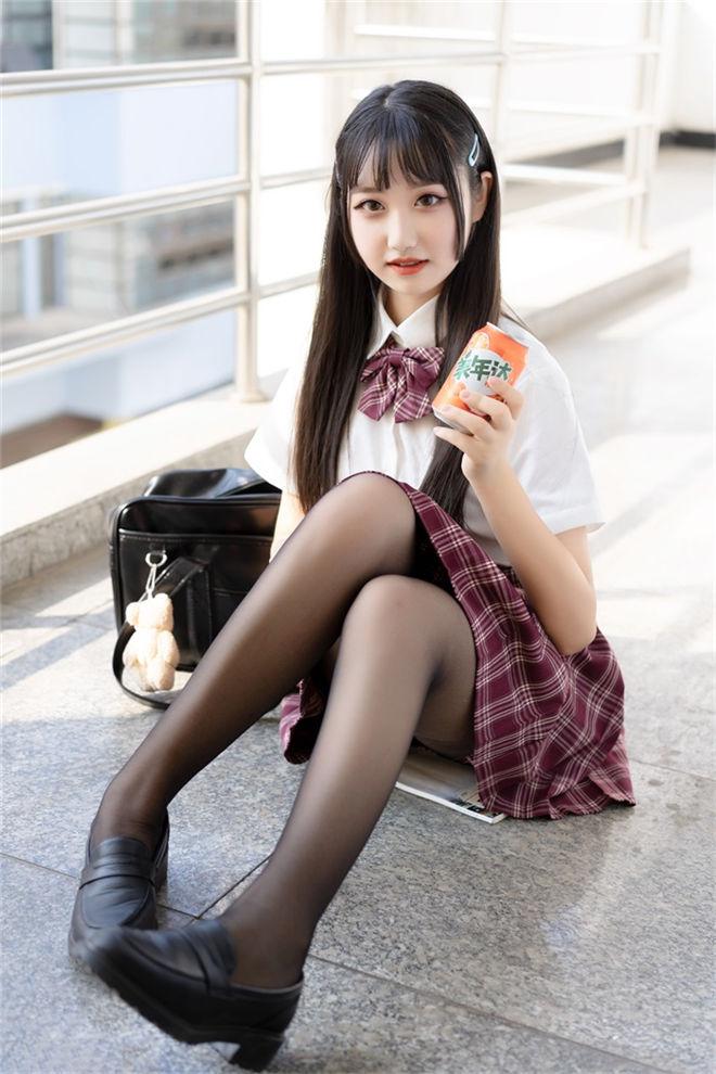 喵糖映画-VOL.023格子裙学妹[44P/306MB]