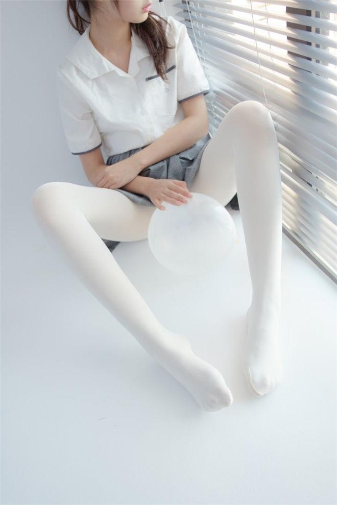 森萝财团-R15系列-028精品写真[96P/457MB]