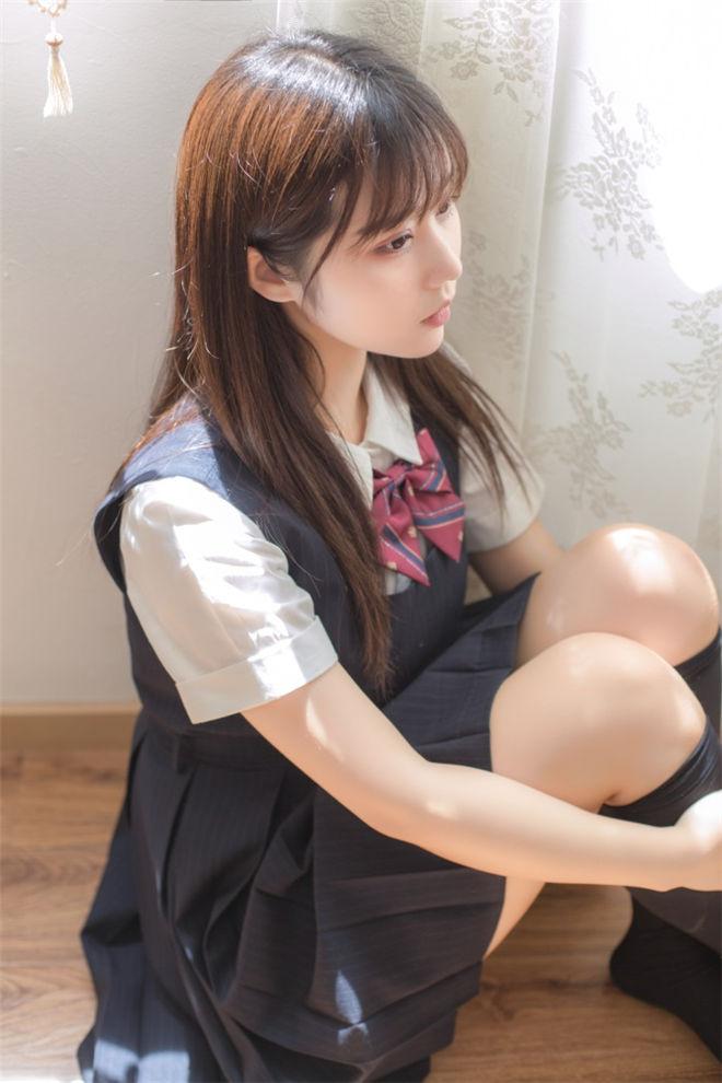 喵糖映画-VOL.004镜酱JK制服[40P/578MB]