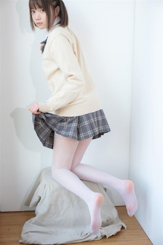 森萝财团-X-010-SSR精品写真[83P/1V/1.46G]