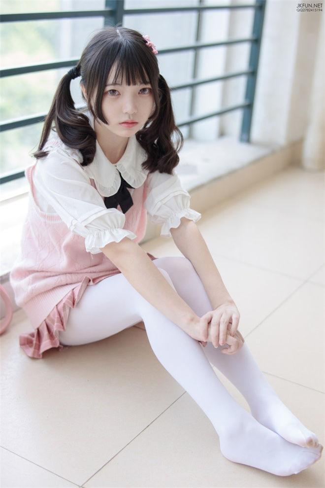 森萝财团-JKFUN-007默陌80D白丝[126P/1V/2.71GB]