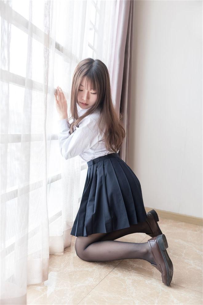 风之领域-No.048性感黑丝女教师[45P/197MB]