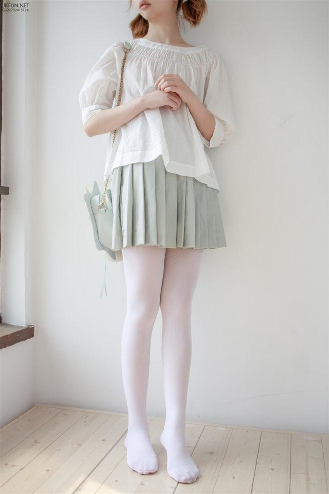 森萝财团-JKFUN-009白丝按摩仪[105P/1V/3.05GB]