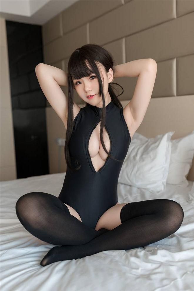 Yoko宅夏-之开胸泳衣II写真[28P/120MB]