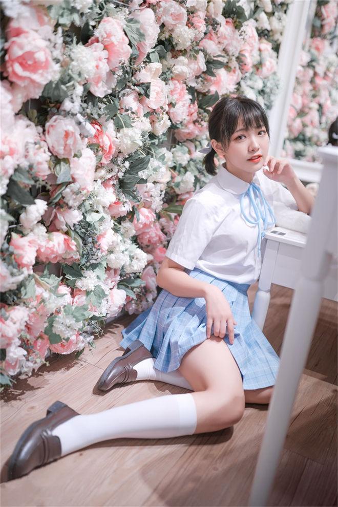 喵糖映画-VOL.011花海写真[41P/329MB]
