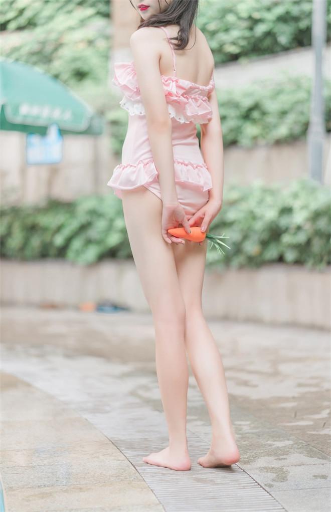 风之领域-No.173兔子泳装少女[41P/266MB]